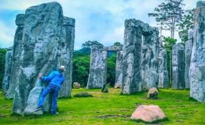 Stonehenge-Cangkringan @tata bejana advertising bali